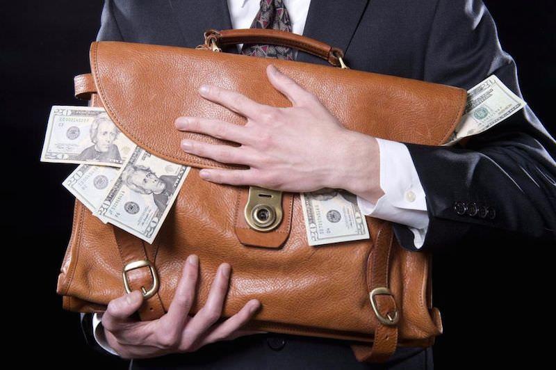 Госдуме предложили казнить коррупционеров