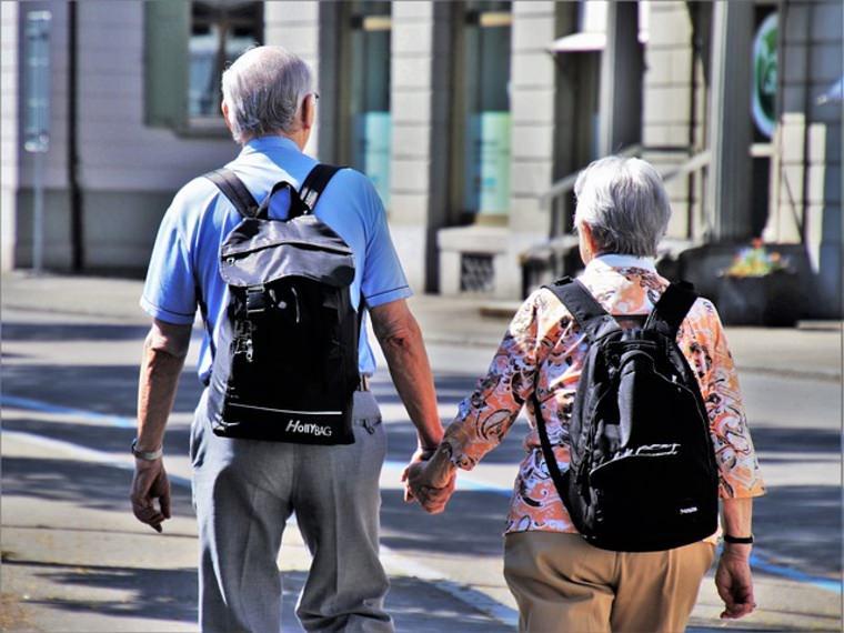 Российские пенсионеры массово уезжают из страны