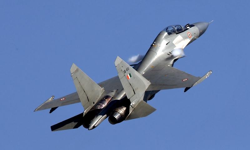 Российские Су-30 и Американские F-16 сошлись в воздушном бою Индии и Пакистана