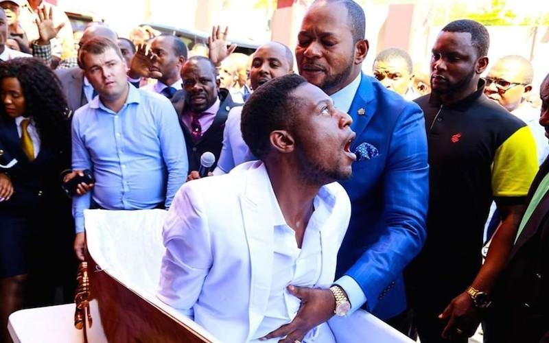 """""""Не наш покойник"""": похоронное бюро обиделось на пастора за воскрешение мертвеца"""