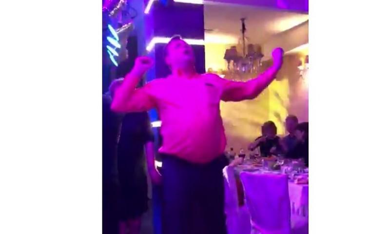 Танцует глава Кореновского района Краснодарского края Сергей Голобородько
