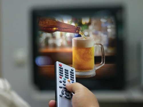 В Госдуму внесли законопроект о снятии ограничений на рекламу пива в спортивных СМИ