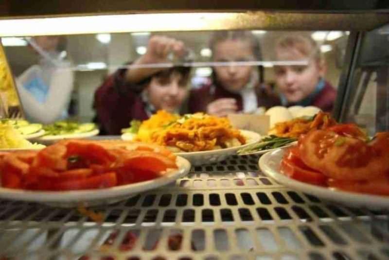 Школьники 1 сентября могут остаться без питания