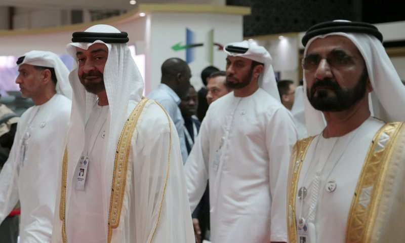 Власти ОАЭ решили простить гражданам $100 млн долгов