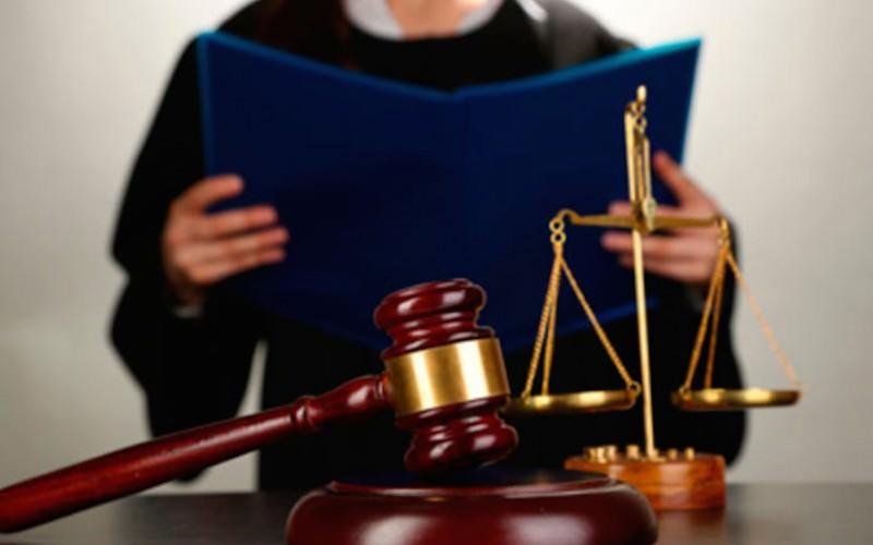 """Судьи требуют наказывать россиян за критику """"беззащитных перед ложью"""" коллег"""
