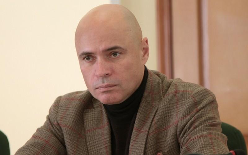 I Love You Baby: врио губернатора Артамонов сыграл липчанкам на саксофоне