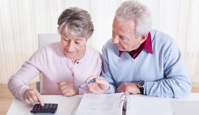 В России утвердили закон, который станет первым шагом к отказу от пенсий
