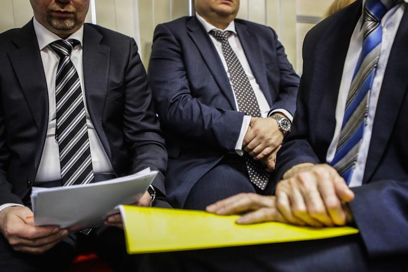 Правительство отказалось штрафовать чиновников за оскорбление россиян