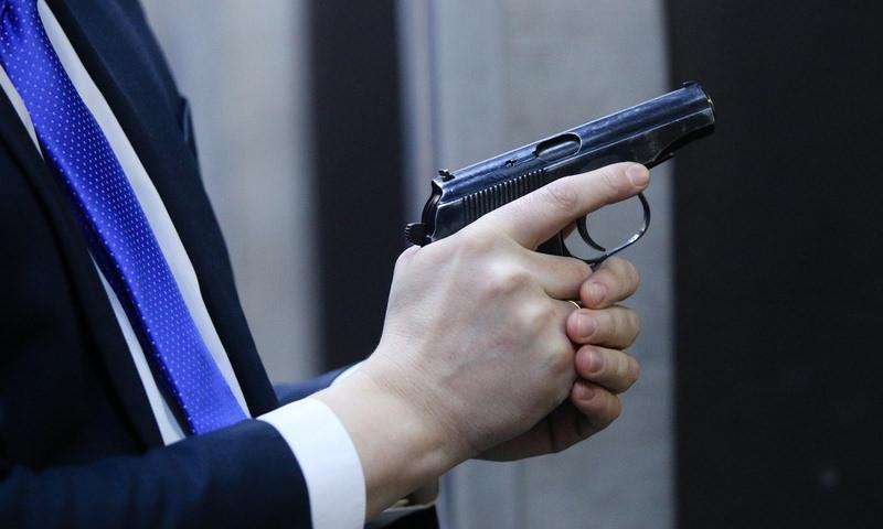 В Госдуме отказались повышать минимальный возраст приобретения оружия