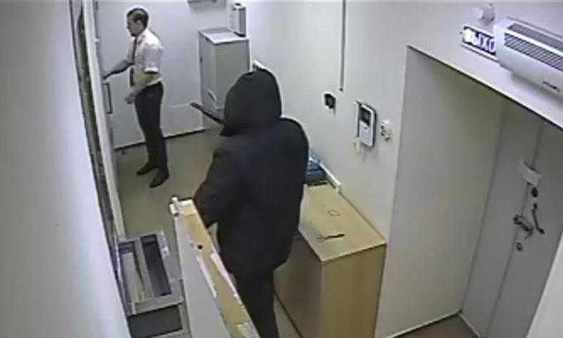 Старики-грабители обчистили два банка в Испании
