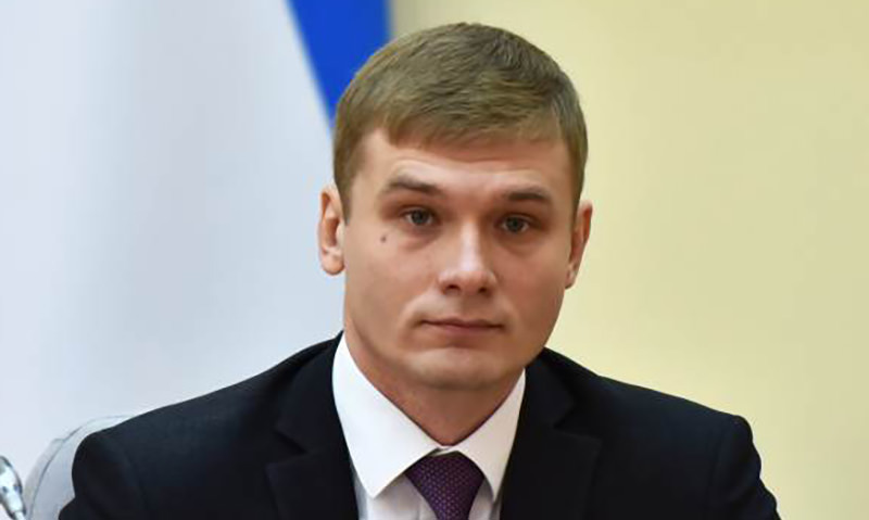 Уклонившийся от армии губернатор  Коновалов распорядился призвать  жителей Хакасии на службу