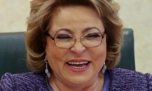Матвиенко посмеялась над шутками россиян, которых можно штрафовать за похвалу и критику власти