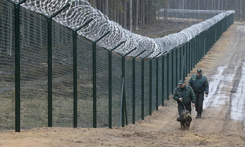 Латвия достроила почти 100 км забора на границе с Россией