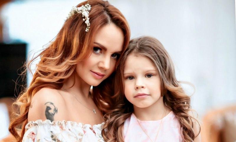 Певица МакSим: «Я превратилась в безумную, одержимую маму»