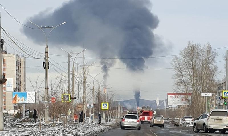 В Комсомольске-на-Амуре загорелся нефтезавод