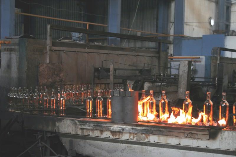 Линия Новоалександровского cтеклотарного завода