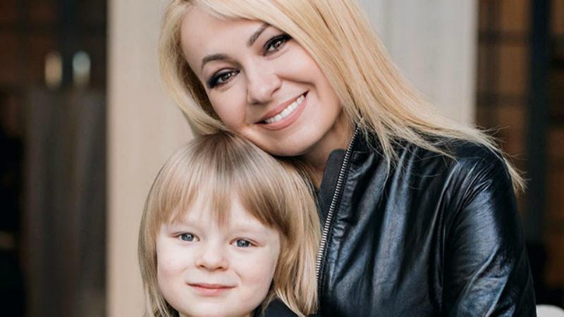 Яну Рудковскую затравили за постановочные фото с сыном