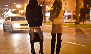 40-летняя проститутка обвинила клиента в изнасиловании, потому что он мало заплатил