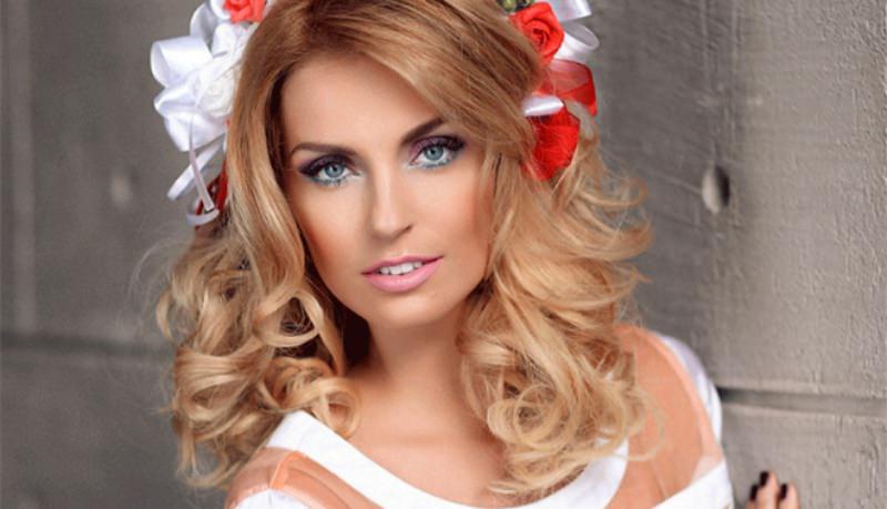 Саша Савельева из «Фабрики» впервые стала мамой