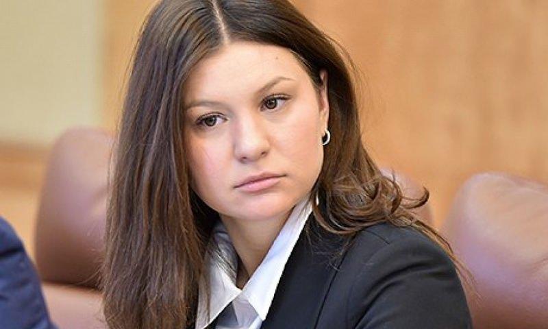 Подаренный на 8 Марта Porsche поставил российскую чиновницу в тупик