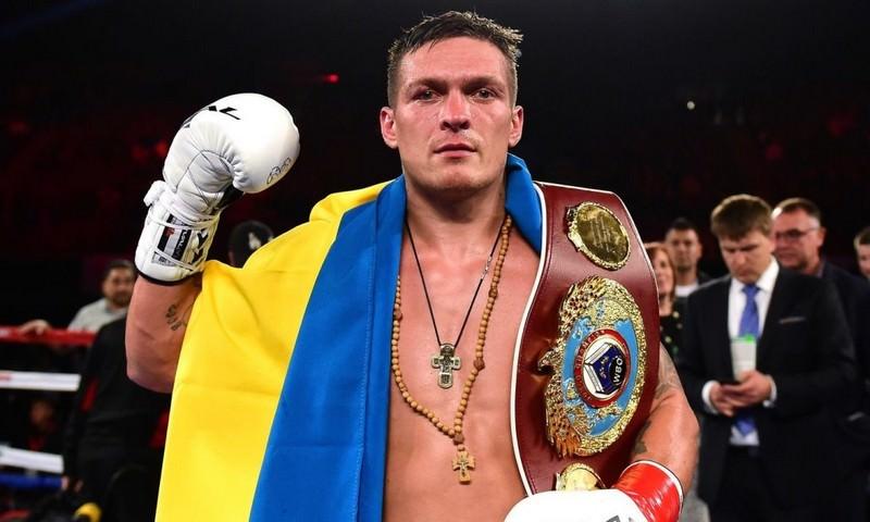 Украинец Усик потерял звание чемпиона мира после отказа бороться с россиянином