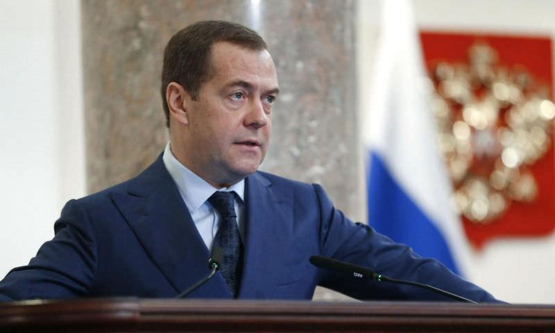 Медведев пообещал не поднимать налоги в ближайшие шесть лет