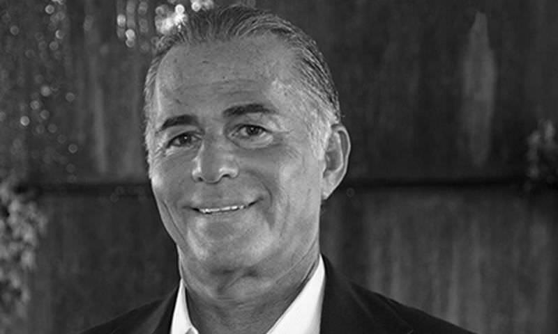 65-летний миллиардер умер во время операции по увеличению пениса