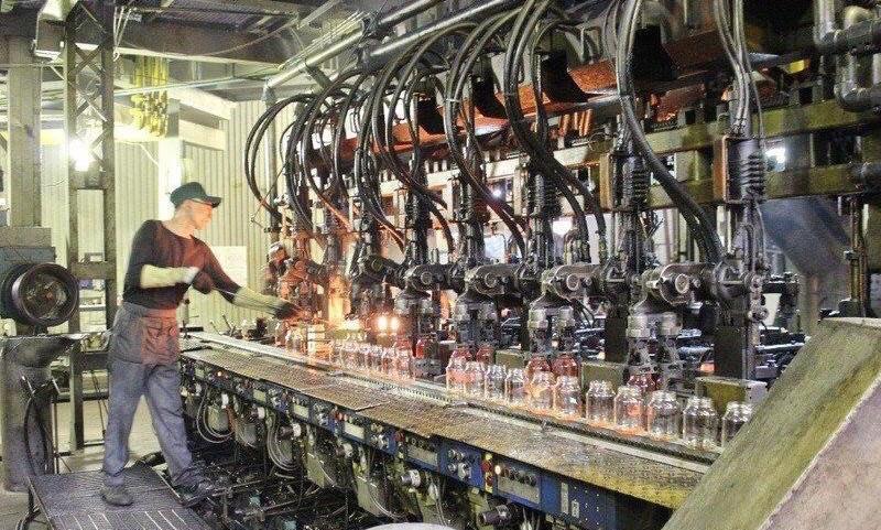 «Тысяча человек осталась без работы»: остановка двух стеклотарных заводов грозит социальным взрывом на Ставрополье