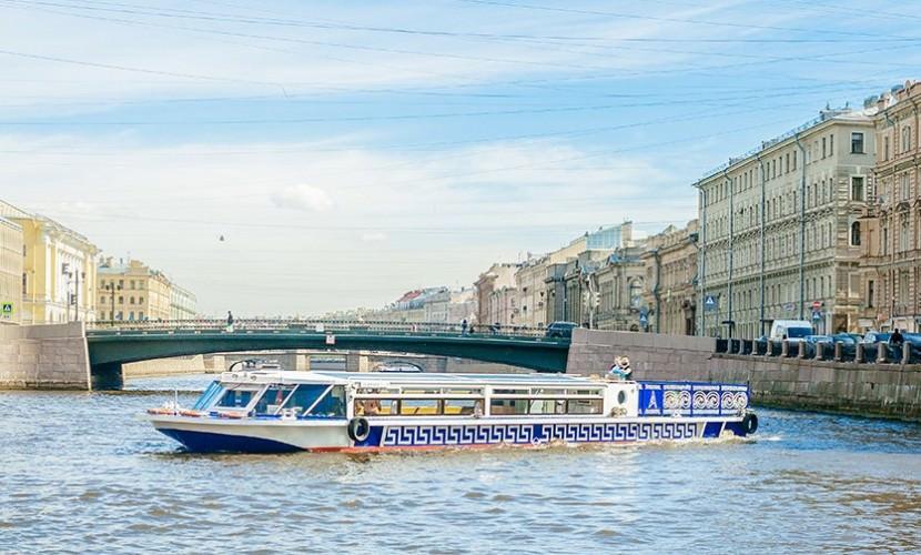 Аренда теплохода в Санкт-Петербурге: как выбрать
