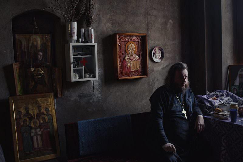 Священник продал свой любимый байк, чтобы помочь погорельцам