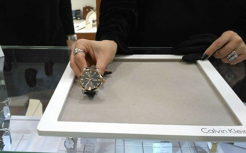 65 кг денег получил по суду покупатель за сломанные часы