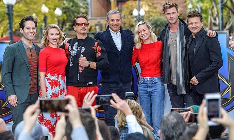 """Фото должников показали зрителям перед просмотром блокбастера """"Мстители: Финал"""""""