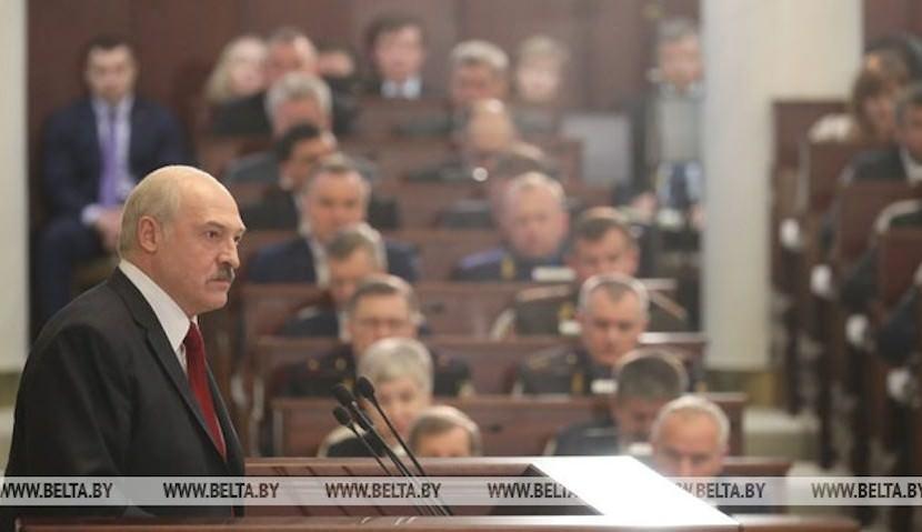 Лукашенко потребовал назначать в министры только многодетных