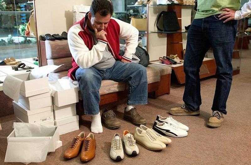 Нет денег на обувь? Кремль и сенаторы удивились данным Росстата