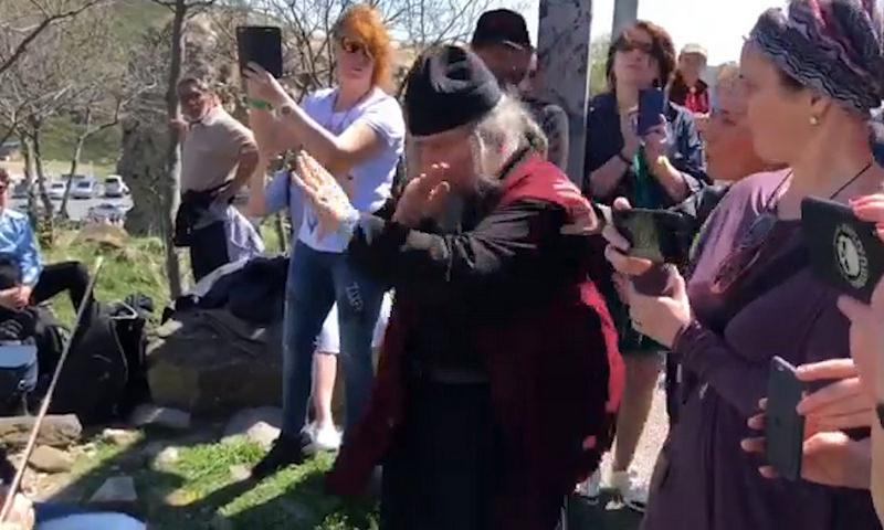 Священник сорвал уличный концерт Гребенщикова в Грузии