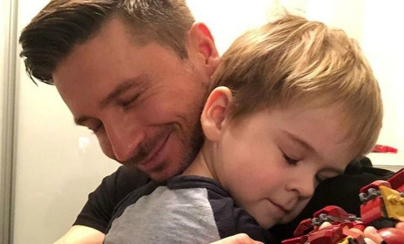 «До слез»: именинник Лазарев показал трогательное поздравление от сына
