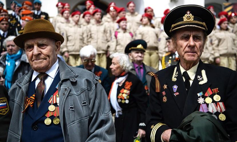 Путин распорядился выплатить ветеранам по 10 тысяч рублей