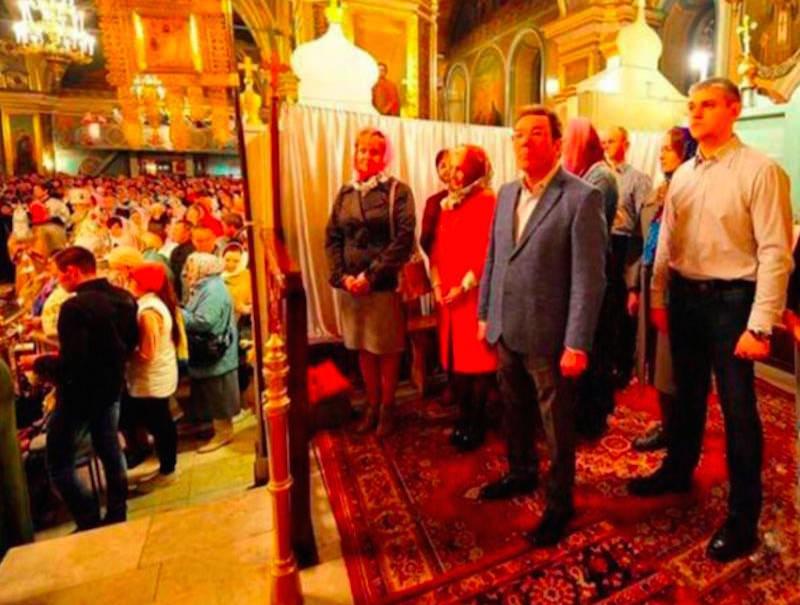 Мэр Сызрани оскандалился VIP-ширмой в храме