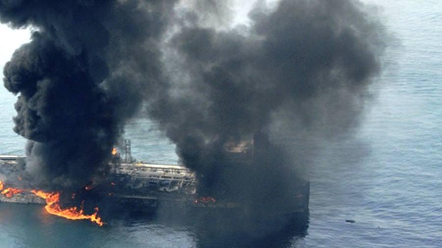 В порту Эль-Фуджайра в ОАЭ произошло несколько взрывов