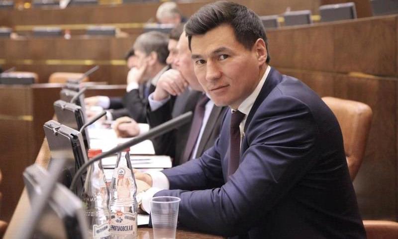 «Уедем к другим баранам»: Бату Хасиков пострадал от политтехнологов