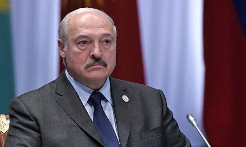ОМОН доказывает победу Лукашенко газом и гранатами