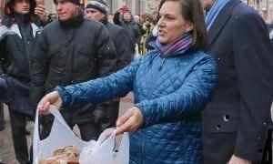 Любительнице раздавать печеньки Виктории Нуланд отказали в российской визе