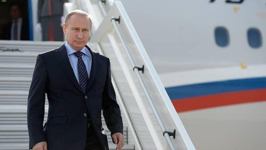 Путин присвоил имена 44 аэропортам