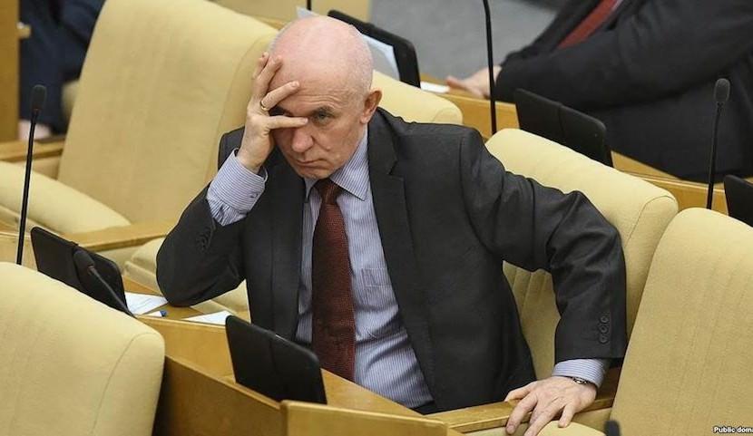 Депутат Госдумы хочет запретить СМИ писать об известных людях