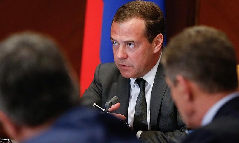 Дмитрий Медведев обвинил чиновников в разгильдяйстве