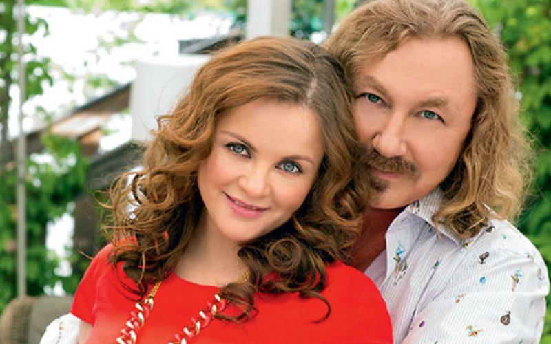Жена Игоря Николаева пожаловалась на задержку рейса в Майами из-за ЧП в Шереметьево