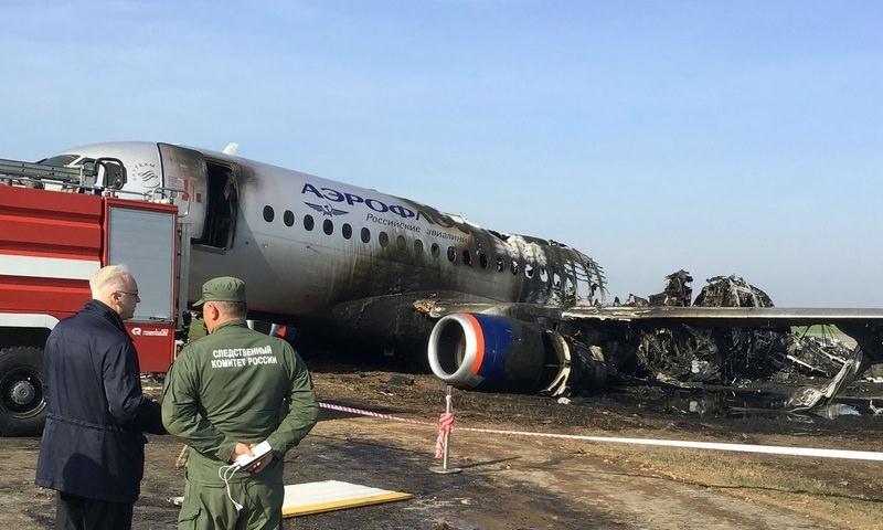 «Коммерсант» назвал главной версией катастрофы SSJ 100 ошибки пилотов