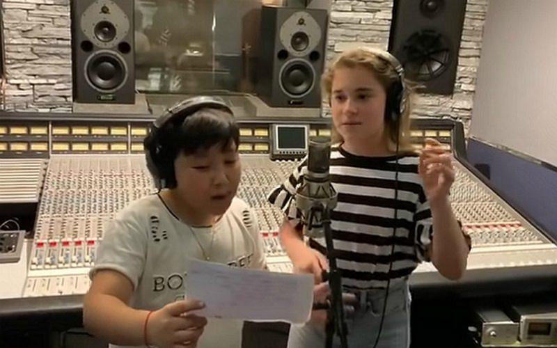 Ержан Максим и дочь Алсу попытались заглушить скандал, спев дуэтом