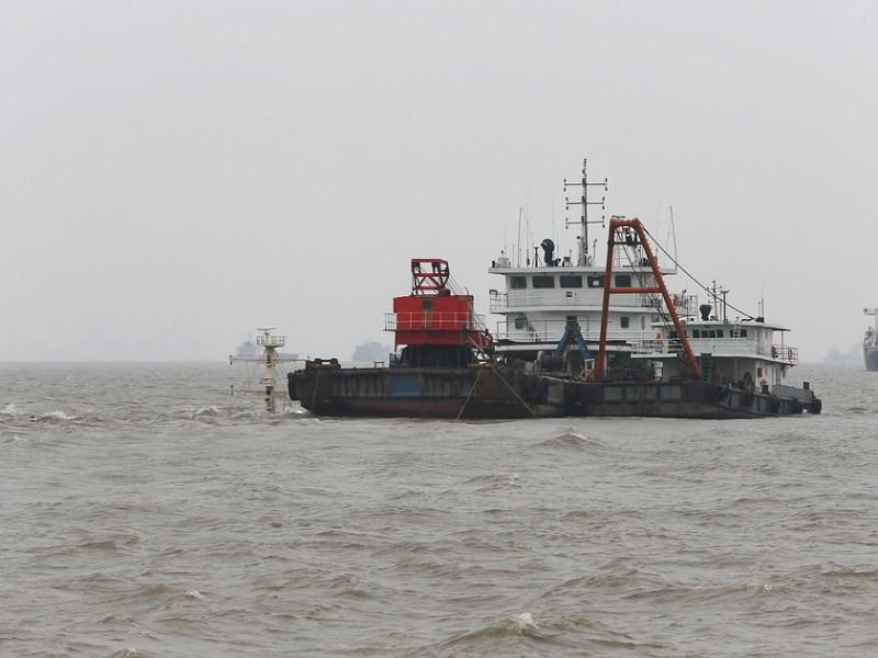 В Японии столкнулись два судна