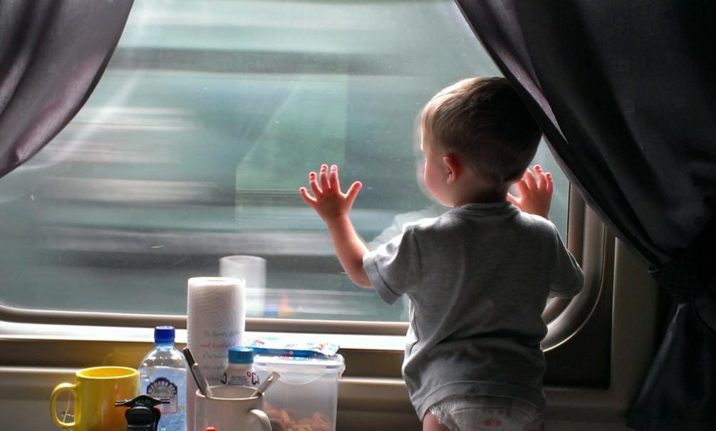 В России упростили правила перевоза младенцев в поездах